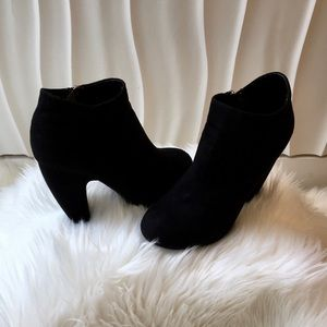 A.X.N.Y. Faux Suede Ankle Boots
